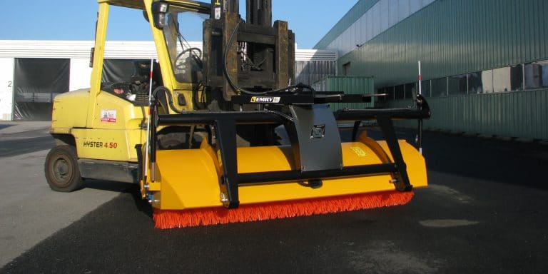 Aero'sweep swathing sweeper