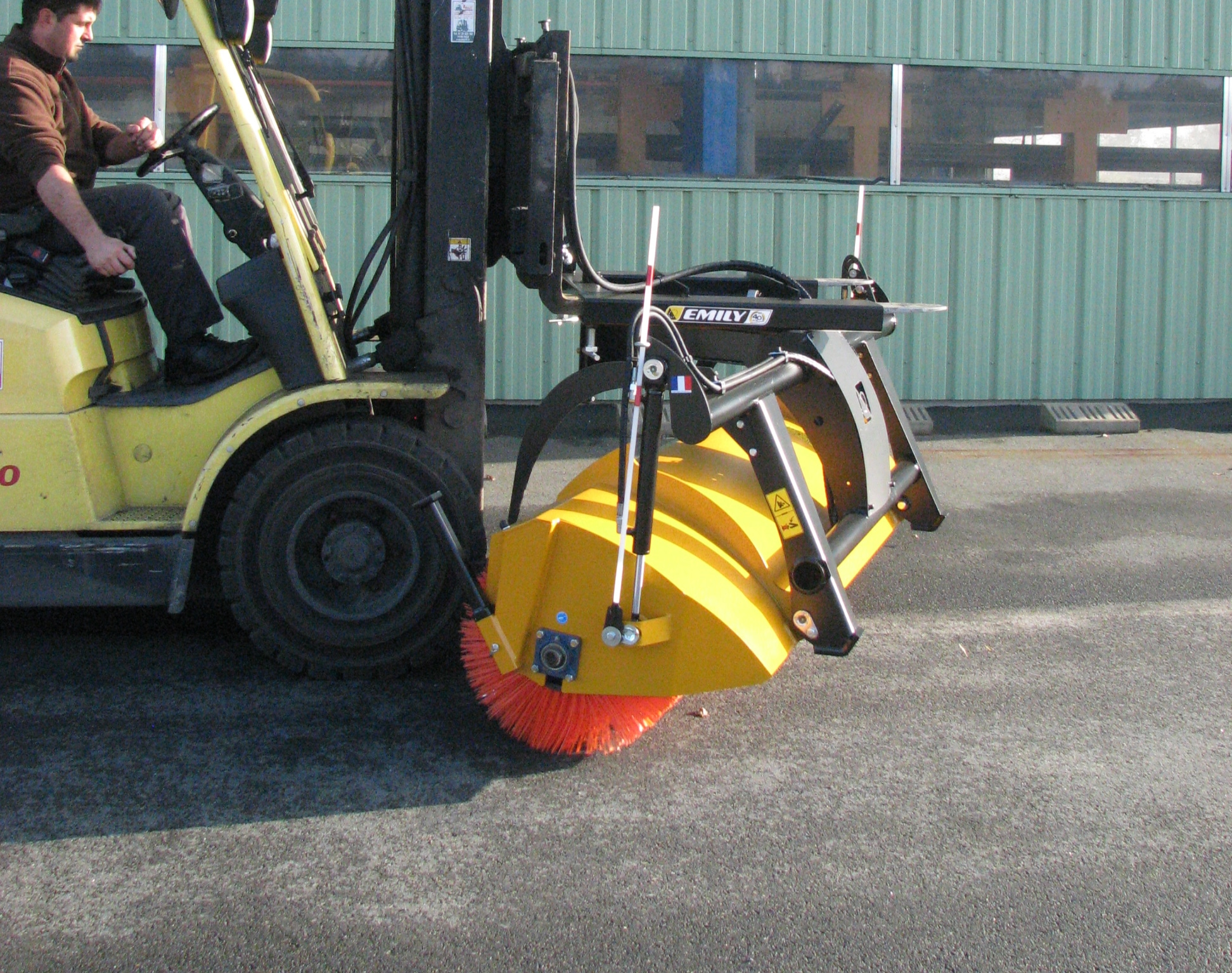 Industrial swathing sweeper