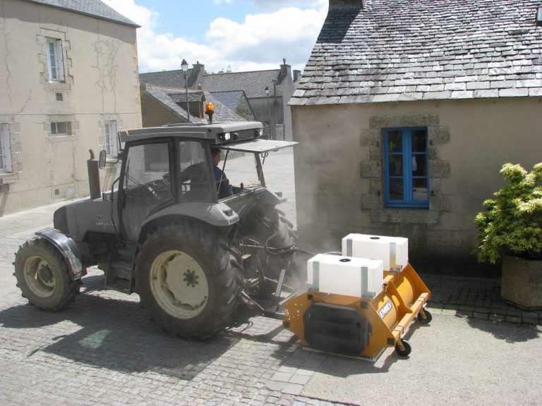 Agri'Clean collecting sweeper