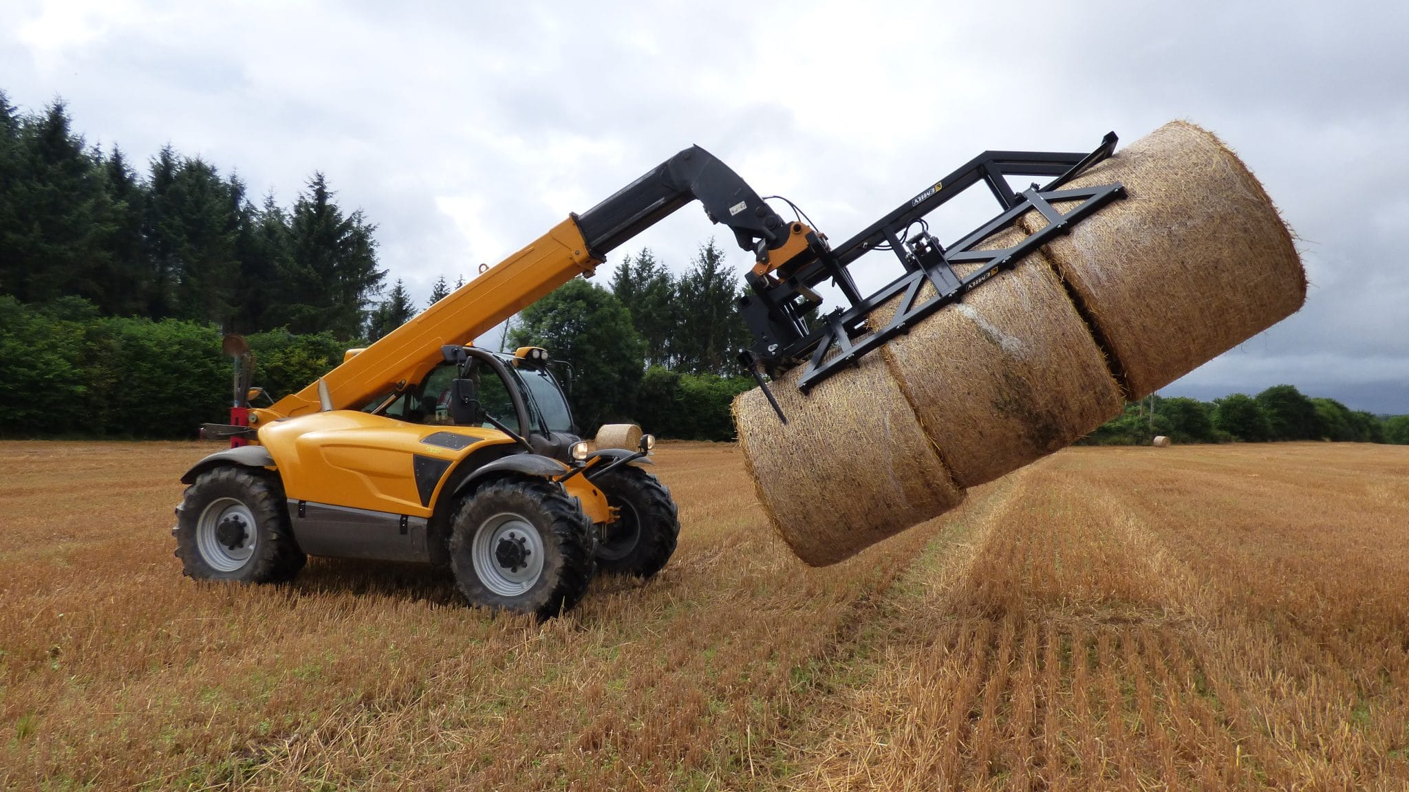 Straw forks, bales grabs and forks