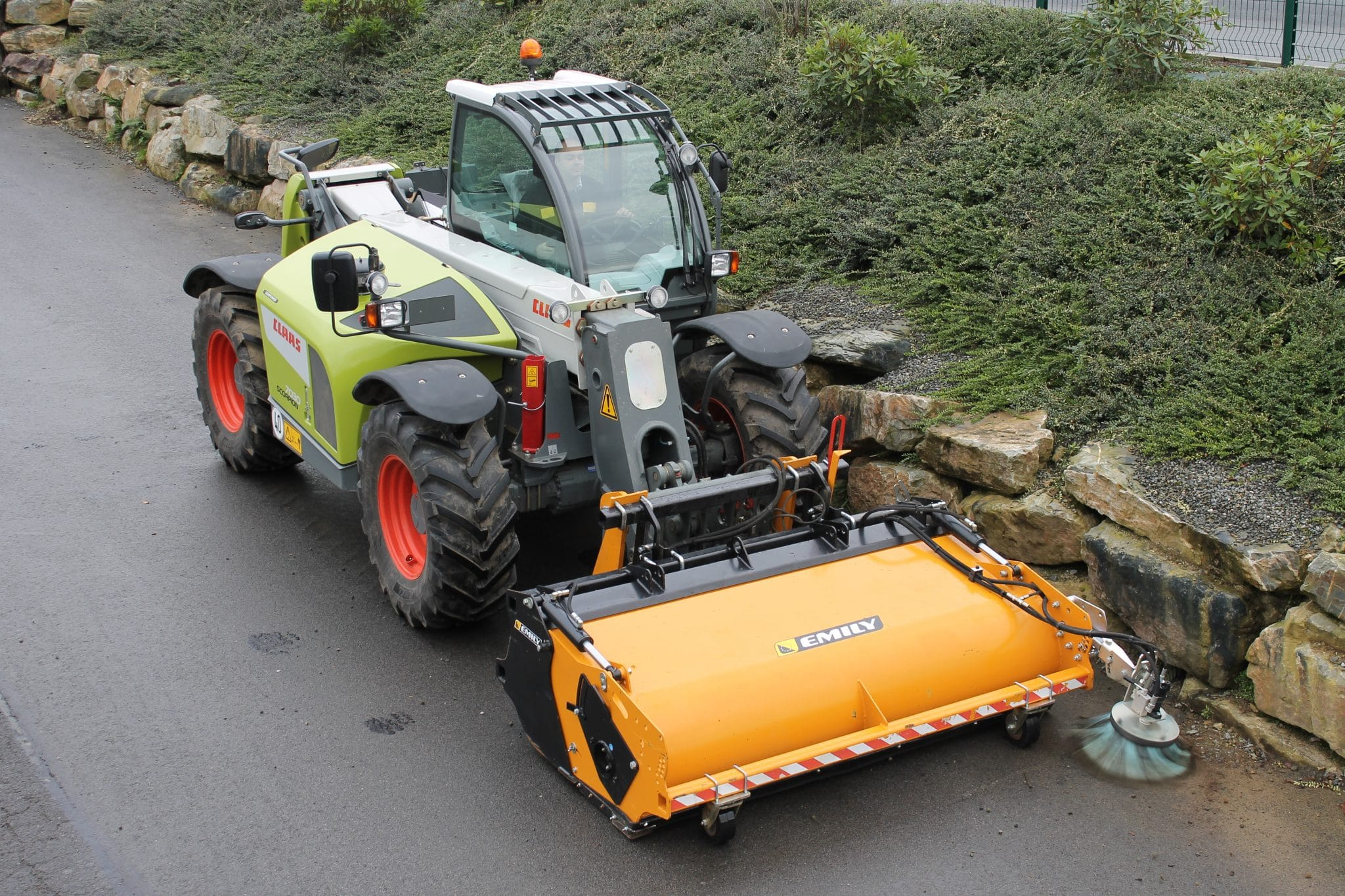 Collecting sweeper